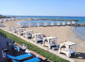 Пляж отеля Mitsis Rinela Beach Resort & Spa