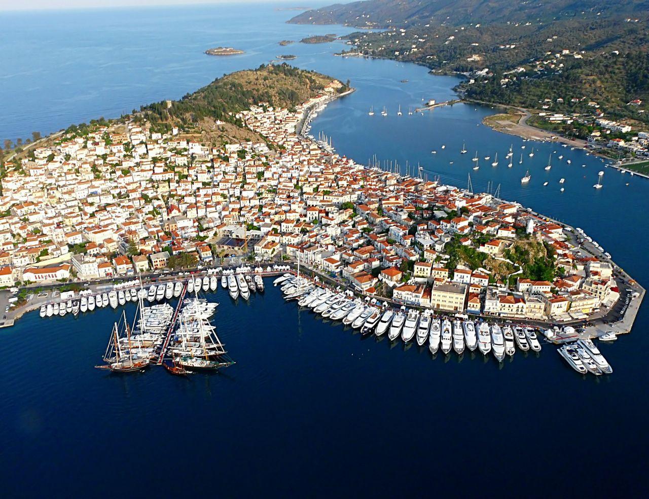 картинка фотография курорта Порос, остров в Греции