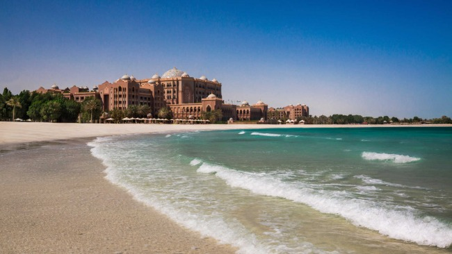 Пляж отеля Emirates Palace