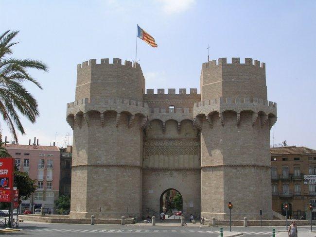 Сторожевые башни Torres de Serranos развлечения валенсии Валенсия valencia torres de serranos