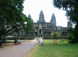 Ангкор Ват - самая известная достопримечательность рядом с городом Сием Рип (Камбоджа)