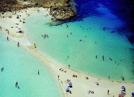 Пляж Нисси на острове Кипр