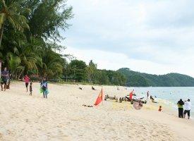 Северная часть пляжа Пантаи Тенгах