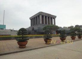 Мавзолей Хо Ши Мина в Ханое
