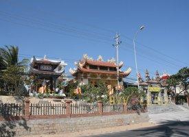 Буддистский храм в Муйне
