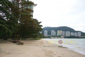 Пляж Танджунг Бунгах