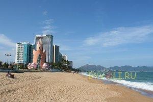 Главный пляж Нячанга