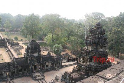 Храм Бапуон в Ангкоре