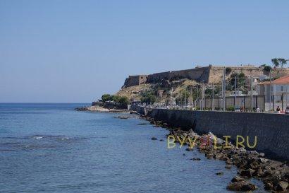 Венецианская крепость Фортецца - вид из города