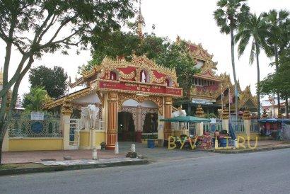 Бирманский храм на Пенанге