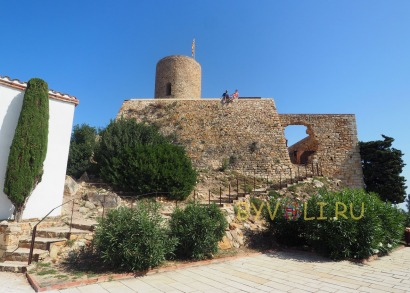 Крепость Сан Хуан в Бланесе