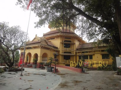Национальный музей вьетнамской истории в Ханое